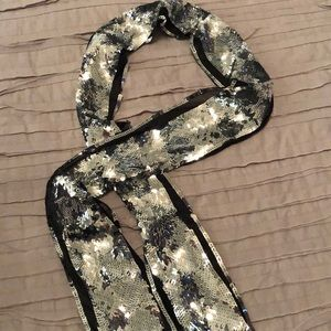 🌻 Gap sequin scarf